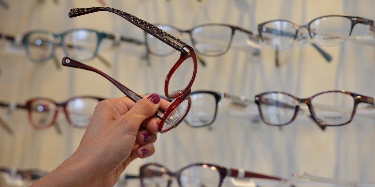 choosing-new-glasses